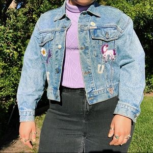 cute guess denim jacket with patches💗